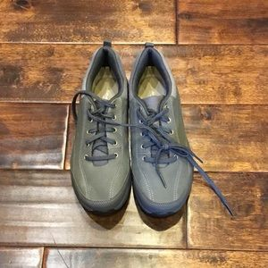 Easy Spirit Gray Sneakers Size 8 Women